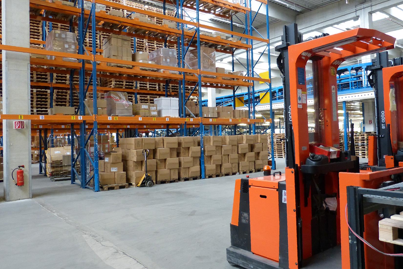 centre-logistique-distribution-entrepot